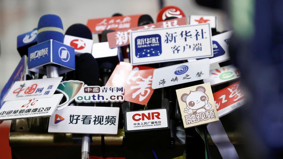 """RT: Peking obećava odgovor na """"političko ugnjetavanje"""" nakon što su SAD šest kineskih medija odredile kao strane misije"""