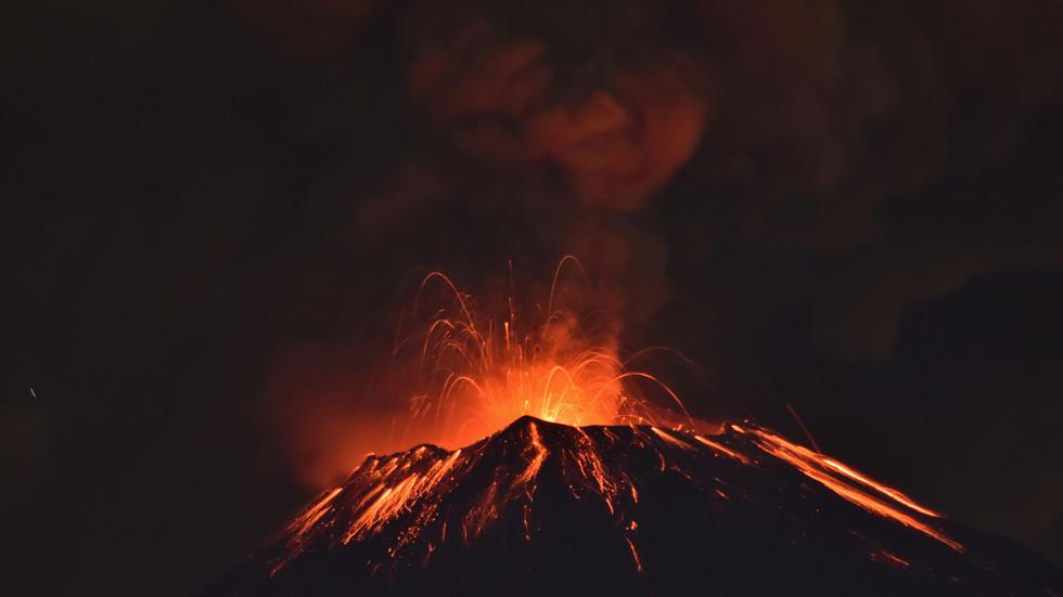 RT: Proradio meksički vulkan Popokatapetl