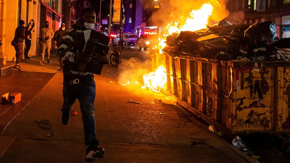 """RT: """"Razumljivi i više nego legitimni"""": Nemačka podržava """"mirne"""" američke proteste"""