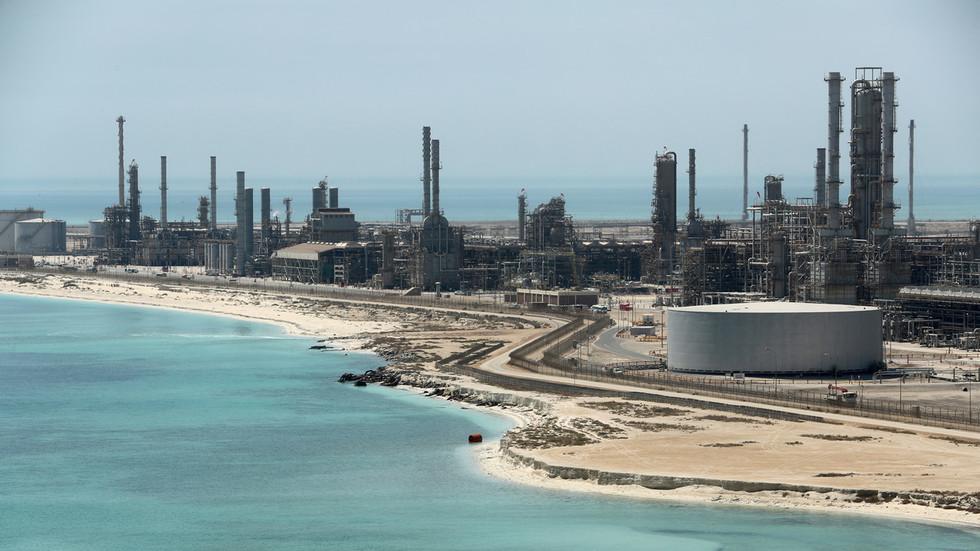 RT: Rusija i Saudijska Arabija će razmotriti naftne i već sklopljene velike ugovore tokom predstojeće posete Putina