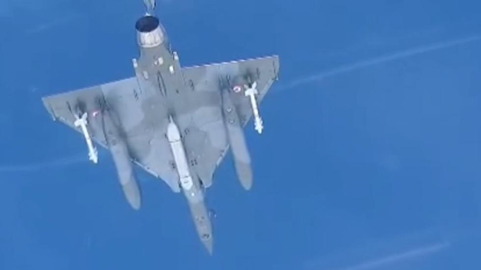 RT: Ruski Su-30 presreo tri francuska aviona