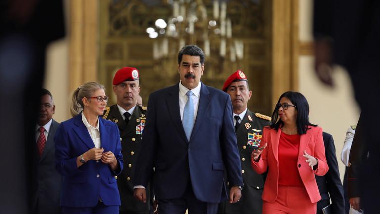 RT: SAD nude 15 miliona dolara za hvatanje Madura