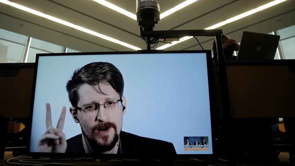 RT: Uzbunjivač NSA Edvard Snouden predao zahtev za rusko državljanstvo nakon sedam godina boravka u Rusiji