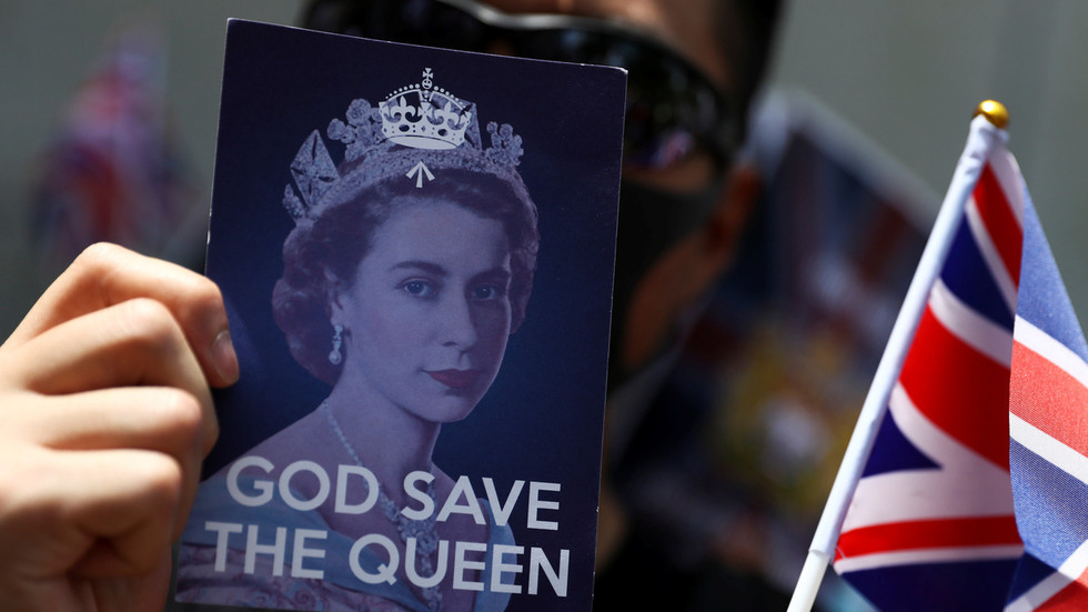 RT: Velika Britanija neće imati drugog izbora osim da ponudi način za sticanje državljanstva za tri miliona stanovnika Hong Konga - Džonson