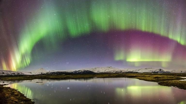 RT: Zemljino magnetno polje se misteriozno kreće gurajući Severni pol prema Sibiru