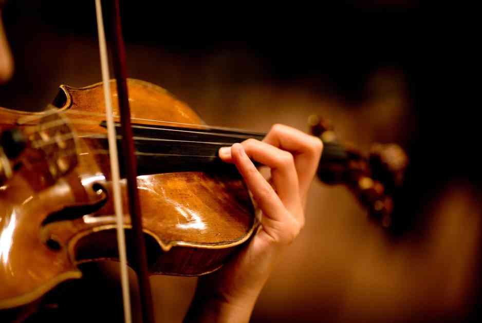 RTS najavio finale bez komentatora, tokom celog meča sviraće tužne violine