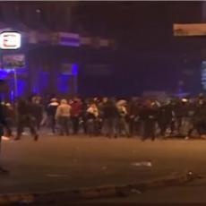 RUČNA GRANATA BAČENA NA POLICIJU: Ima ranjenih, oficir u kritičnom stanju, neredi se nastavljaju širom Libana! (VIDEO)