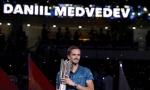 RUS NOVA TENISKA SILA: Medvedev počistio Zvereva i osvojio masters u Šangaju