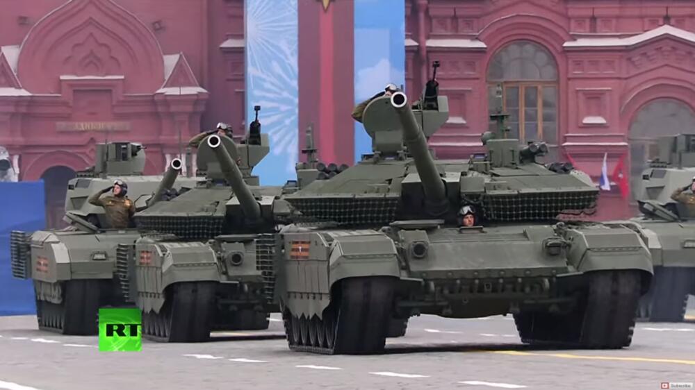 RUSI GDE VAM JE ARMATA Zapadni analitičar: 2015 prikazali sedam tenkova, a 2021 samo dva i gomilu nadograđenih! Ocena: SIMBOLIČNO!