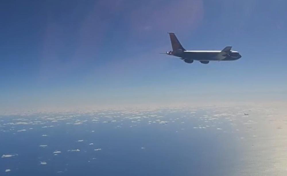 RUSI OTERALI AMERIČKE BOMBARDERE: Pogledajte reakciju migova i suhoja iznad Beringovog mora (VIDEO)