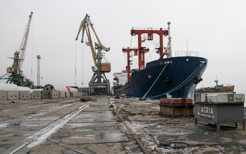 RUSIJA POČELA DA VRAĆA ODUZETE BRODOVE UKRAJINI: Tri plovila vraćaju se kući (VIDEO)