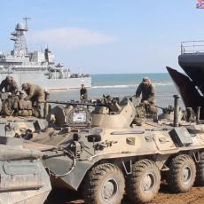 RUSKA VOJSKA U POKRETU! Krimom odzvanja topot formacija, Vazdušno-desantne snage na čelu kolone (VIDEO)