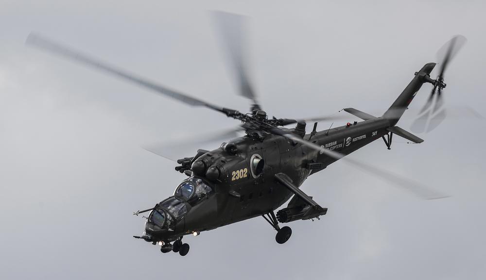 RUSKI BORBENI HELIKOPTER MI-35 PRINUDNO SLETEO U SIRIJI: Posada brzo evakuisana