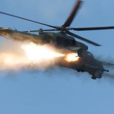 RUSKI LETEĆI TENK NEMA MILOSTI: Ovako moćni helikopter Mi-24P melje teroriste u Siriji u noćnim uslovima (VIDEO)