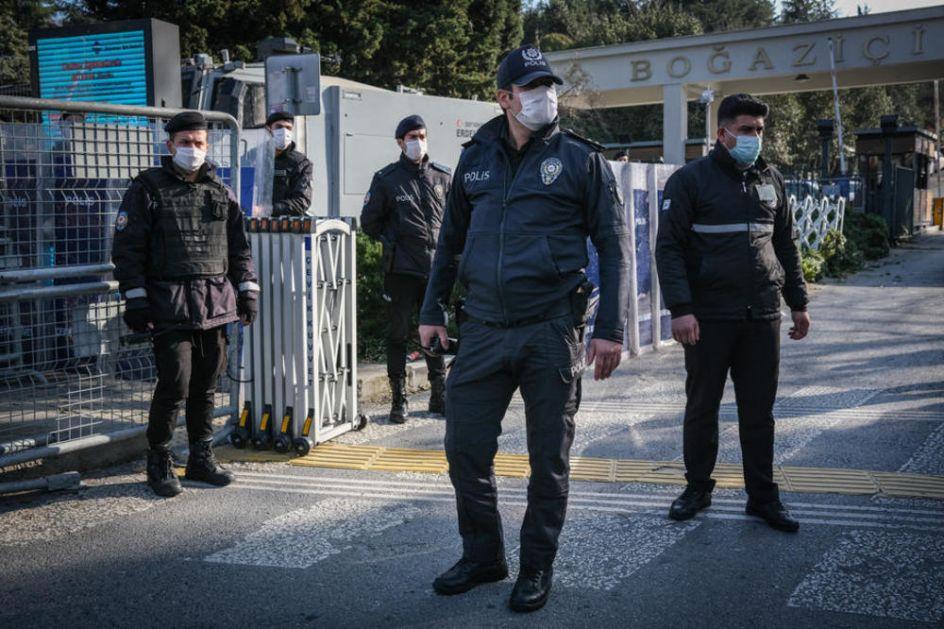 RUSKI TURISTI IZBODENI U ISTANBULU: Napadnuti u Bešiktašu, prebačeni u bolnicu!