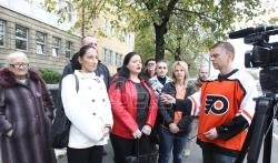 Radikali ispred Specijalnog suda u Beogradu podržali optužene za navodni ratni zločin kod ...