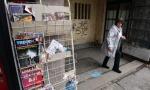 Rafovi u južnoj Mitrovici puni robe iz centralne Srbije, bez štampe iz Srbije četvrti dan (FOTO)