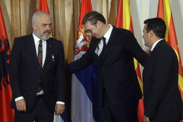 Rama Vučiću: Još uvek nam je potreban engleski između