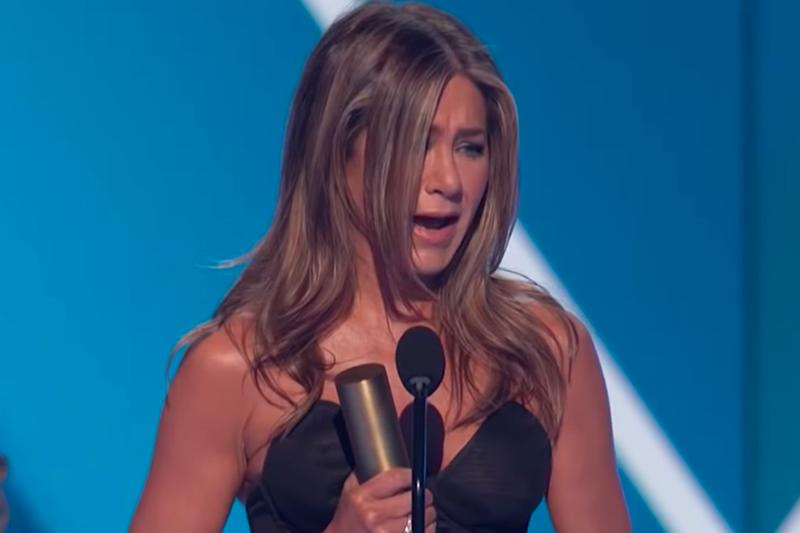 Rasplakala se na sceni kada je proglašena ikonom: Pogledajte govor Jennifer Aniston