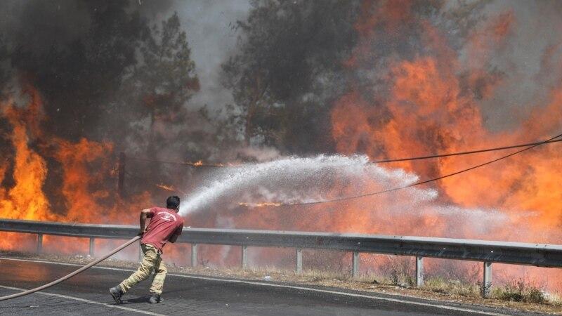 Raste broj mrtvih u požarima u Turskoj