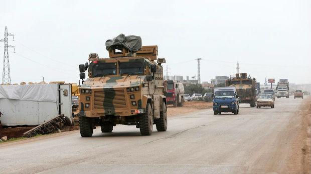 Raste broj turskih vojnika poginulih kod Idliba, Rojters javlja da su migranti krenuli ka Evropi
