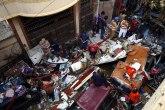 Raste broj žrtava u padu pakistanskog aviona: Ne zna se da li su putnici ili građani na koje se srušio
