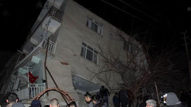 Raste broj žrtava zemljotresa u Turskoj, više od 20 mrtvih