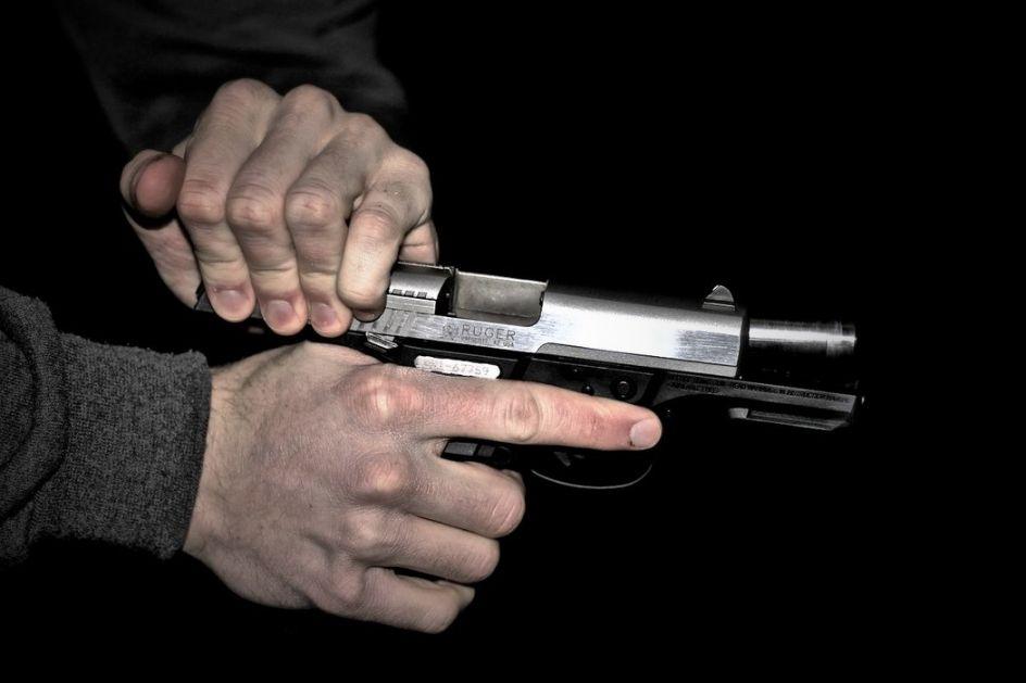 Razbojnici sa pištoljima upali u bilijar klub na Zvezdari