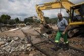 Razorno nevreme pogodilo grčko ostrvo: Petoro mrtvih, dvoje nestalih, desetine zarobljenih, 50 požara FOTO