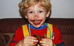 Razotkrivanje mitova: Da li slatkiši izazivaju hiperaktivnost? (VIDEO)