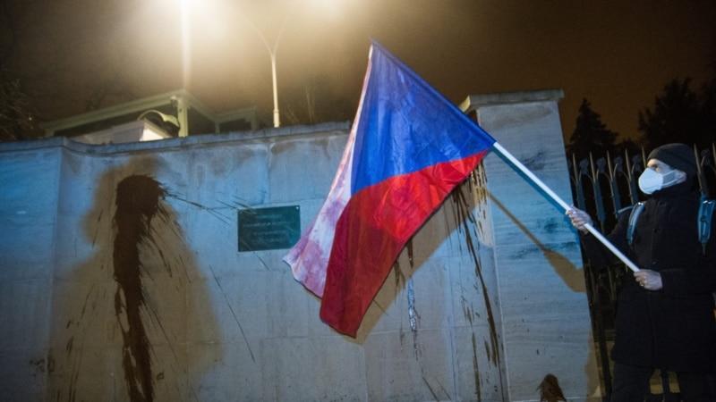 Recept za špijunski skandal: Češka eksplozija, ruski agenti i bugarski trgovac oružjem