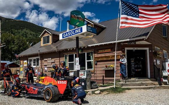 Red Bull Road Trip USA video: Max Verstappen sa Formulom 1 po Americi