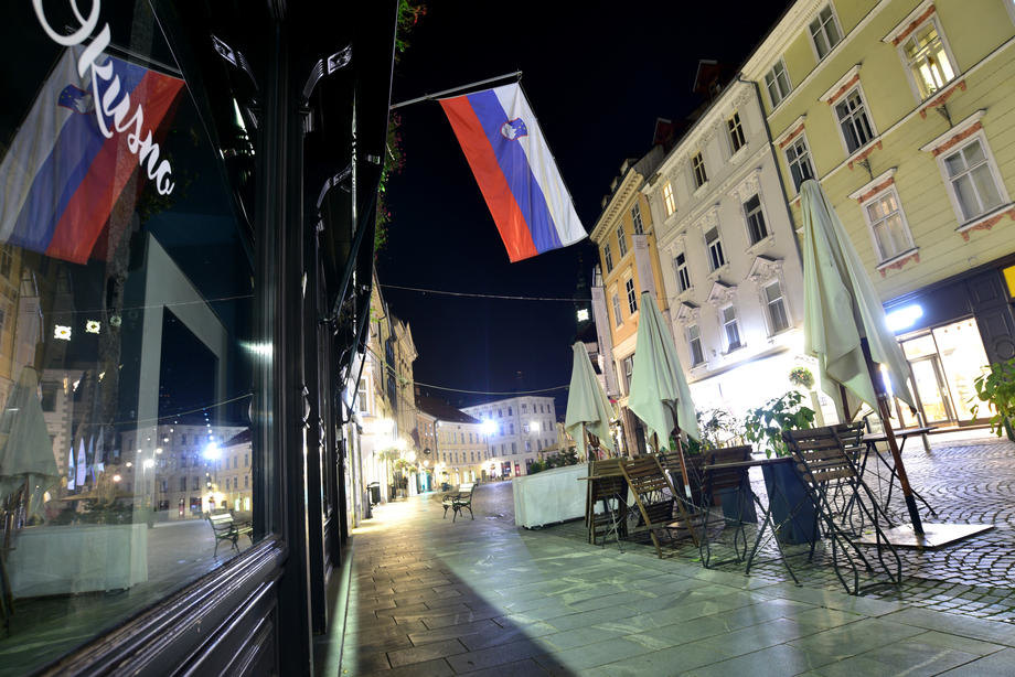 Region: Broj novozaraženih u Sloveniji premašio 100