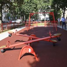 Rekonstruisano još jedno dečije igralište