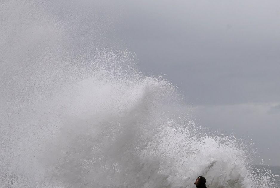 Rekordni talasi u Hrvatskoj, poplave samo najava onog što sledi