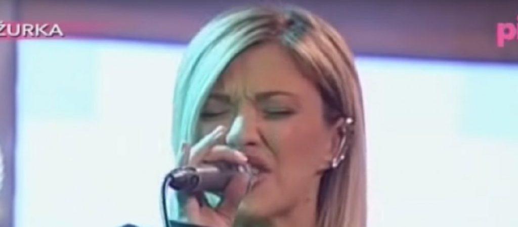 "(FOTO) Kija Kockar rešila da batali pevanje? Ovo je novi posao pobednice ""Zadruge 1""!"
