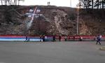 """Režim u Podgorici hteo da udari na BERANE: Policija """"TIPOVALA"""" mladiće dok su slikali mural, pa se povukla (VIDEO)"""