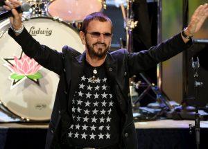 """Ringo Star napunio 80 godina, pravi onlajn svirku: """"I dalje širimo mir i ljubav"""""""