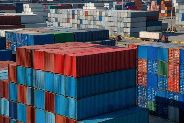 Roba kasni zbog nestašice brodskih kontejnera u Kini