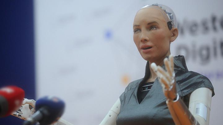 Robot Sofija: Volela bih da živim u Srbiji (FOTO)