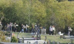 Roditelji ispratili Nebojšu na večni počinak: Uz jauke porodice i tugu prijatelja sahranjena žrtva zločina u Bariču (FOTO)