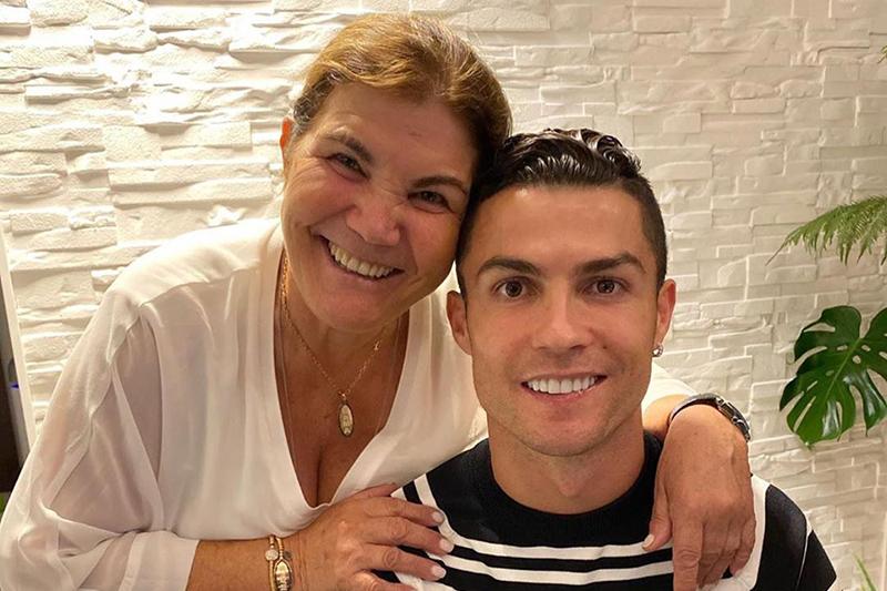 Ronaldo oduševio skupocenim poklonom za mamu: pogledajte šta je dobila