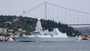 Rusija, Velika Britanija i Krim: Ruski vojni brodovi i avioni prate britanski razarač u Crnom moru