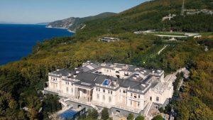 """Rusija i Aleksej Navaljni: Putin negira tvrdnje da je vlasnik luksuzne palate kupljene """"najvećim mitom u istoriji"""""""