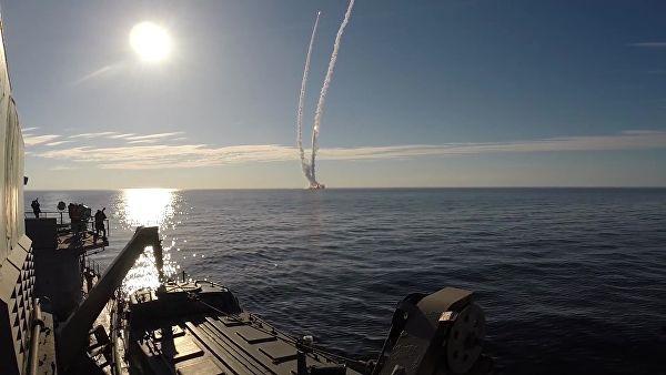 "Ruske podmornice ispalile balističke rakete ""Bulava"" i ""Sinjeva"""