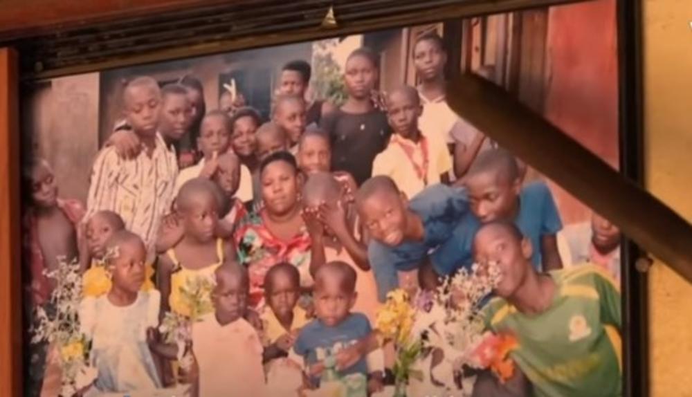 SA 23 GODINE JE RODILA 25 DECE: Život supermajke iz Ugande je postao pakao! (VIDEO)