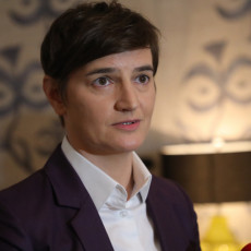 SA 25 NA 9,3 POSTO: U Srbiji od 2012. otvoreno 670.000 radnih mesta, Brnabić činjenicama srušila napade opozicije