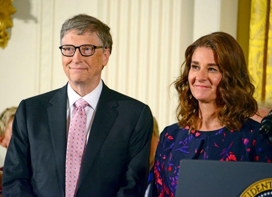 SAD I ZVANIČNO: Bil i Melinda Gejts su razvedeni, i dalje misterija koliko novca dobija bivša gospođa