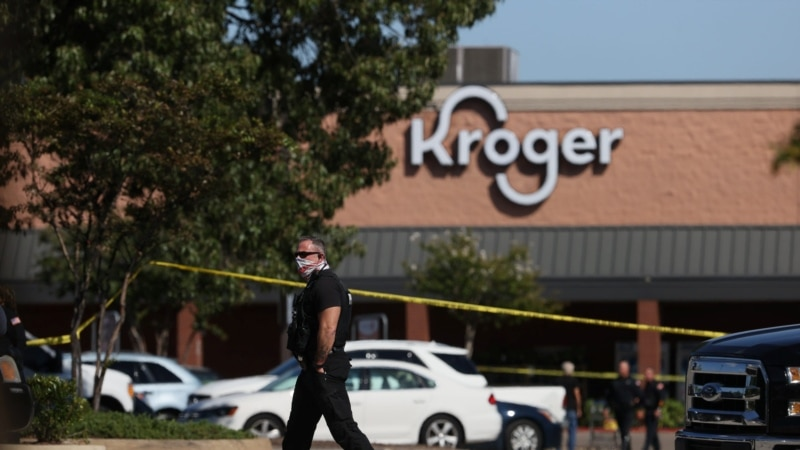 SAD: Napadač u supermarketu ubio jednu osobu, 12 ranio