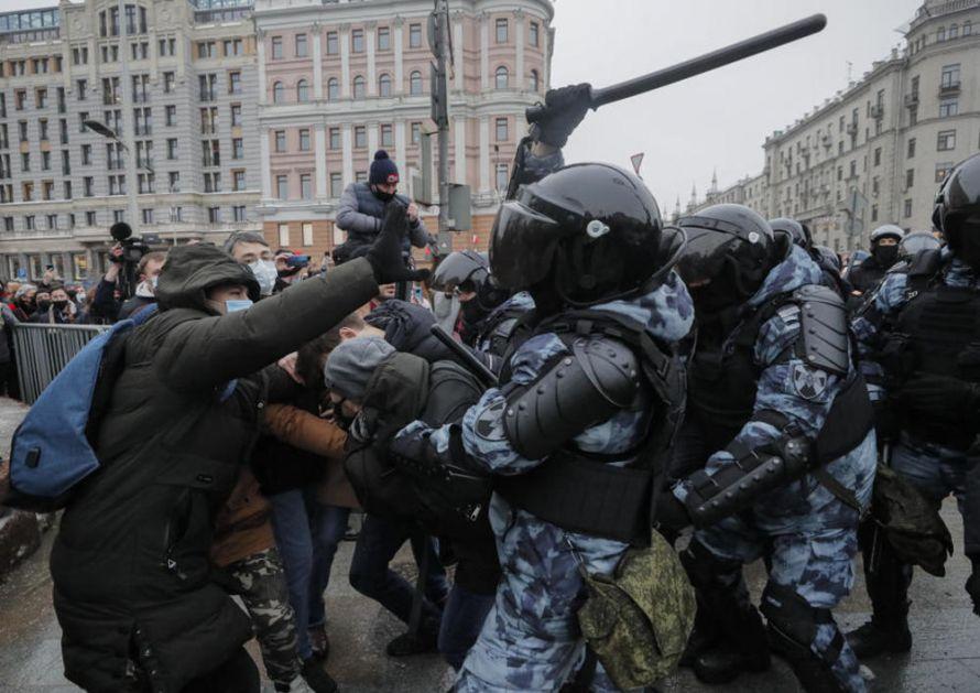 SAD OSULE PALJBU PO RUSIJI: Najoštrije osudili grubo postupanje prema demonstrantima prilikom hapšenja na protestima u Rusiji